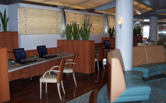 Internet cafe.jpg.