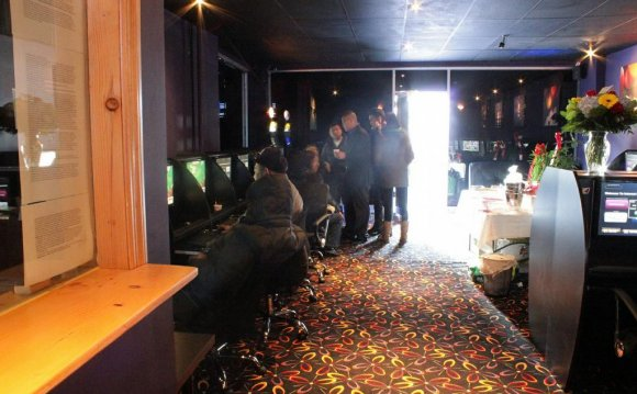 Internet cafes in Brooklyn
